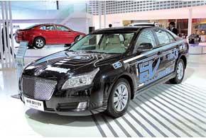 Hawtai B11 EV оснащен 80-киловаттным электромотором и литий-ионной батареей,  позволяющей преодолеть до 180 км. Максимальная скорость – 120 км/ч.