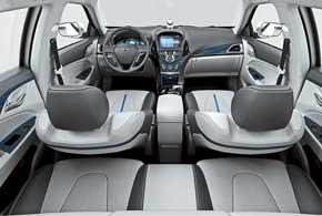BYD Qin (Цинь) – новое поколение интеллектуального гибридного электрического автомобиля, названного вчесть древней императорской династии Цинь. Внутреннее убранство салона BYDQin демонстрирует высокое качество используемых материалов и тщательную проработку деталей.