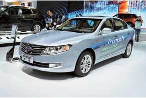 GAC Trumpchi Hybrid получил 1,8-литровый ДВС в сочетании с электромотором и полным приводом.