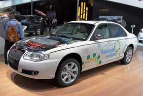 Roewe 750 Fuel Cell имеет электромотор (45 кВт), никель-металл-гидридные батареи и водородные топливные элементы.