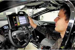 Перед отправкой на площадку готовой продукции каждый автомобиль проходит тщательную диагностику бортовых систем.