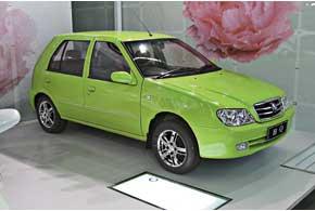 Geely Haoqing (HQ) стал в1998 году первым автомобилем нового китайского бренда.