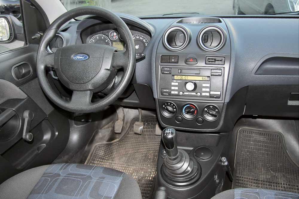 peugeot 206 или форд фиеста