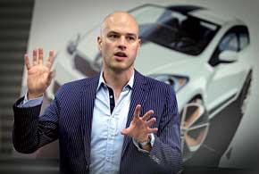 Дизайнер по интерьерам Петер Олах: «Экстерьер привлекает покупателей в автосалон, а интерьер заставляет их купить машину».