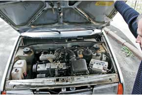Можно ли на «девятку» установить газовые упоры капота, как на ВАЗ-2110