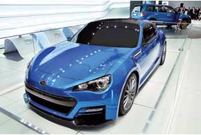 Концепт Subaru BRZ STi отличается откупе BRZ дополнительным аэродинамическим обвесом и меньшим клиренсом.
