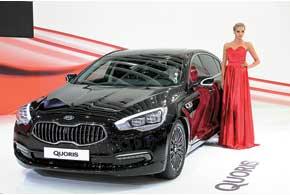 Kia Quoris займет главенствующее положение в иерархии корейского бренда. Роскошный седан оснащен 3,8-литровым 290-сильным V6 и 8-ступенчатой АКП.