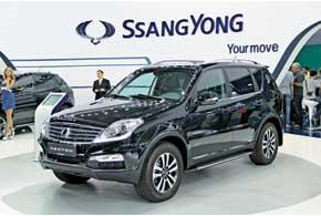SsangYong Rexton получил обновленный дизайн экстерьера и ряд косметических изменений в салоне.