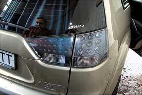 Из редких кузовных проблем отметим запотевание задней оптики нанекоторых автомобилях.