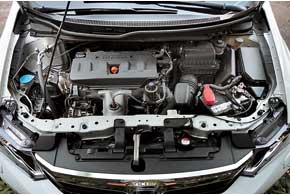 Мотор особых изменений не претерпел. Лишь за счет высоких технологий удалось сделать расход топлива меньше. В городе Civic без труда укладывается в паспортные 8,8 л.
