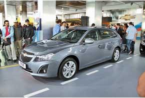 Chevrolet Cruze предстал перед посетителями шоускузовом универсал по цене от 160773 грн.