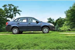 По длине и ширине кузова Granta попадет в С-класс, а вот по базе не дотягивает донего. Клиренс Lada Granta традиционно высокий и составляет 160 мм.