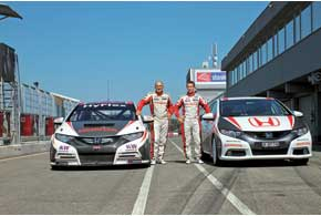 На трассе Slovakiaring в окрестностях Братиславы новые, «боевые» Honda Civic тестировали экс-пилоты Формулы-1 Габриэле Таркуини и Тьягу Монтейру.