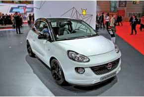 Сити-кар Opel Adam намерен завоевать сердца покупателей множеством вариаций.