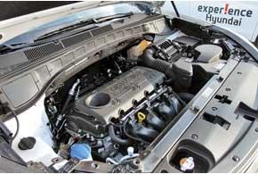 Единственный бензиновый мотор, который можно будет приобрести с механической трансмиссией, – 2,4-литровый.