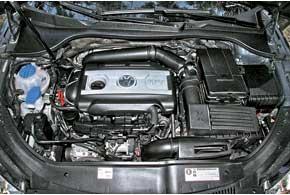Проверенный и неоднократно испытанный силовой агрегат отлично подходит для этого прогулочного авто благодаря плавной работе.