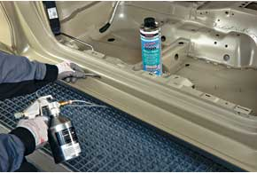 Для защиты скрытых полостей салона созданы воски наводной основе, не имеющие запаха и стойкие к перепадам температуры.