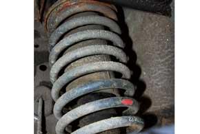 Заводские амортизаторы QQ не отличаются долговечностью и могут прийти в негодность уже к20–30 тыс. км.