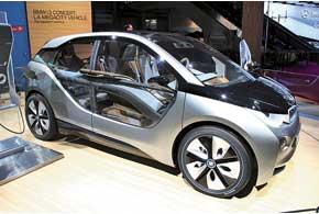 В отделке концептуального электромобиля BMW i3 Concept используются панели из эвкалипта.