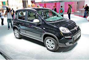 Fiat Panda 4x4 третьего поколения обзавелся полным приводом и защитным пластиковым обвесом.