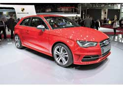 300-сильный 2,0-литровый мотор TFSI разгоняет AudiS3 до «сотни» за 5,1с.