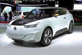 Третье поколение компактного кроссовера SsangYong e-XIV оснащено 108-сильным электромотором, литий-ионной батареей и 2-цилиндровым бензиновым 1,0-литровым мотором.