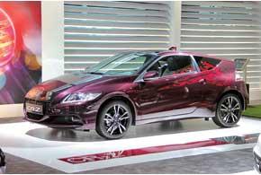 Honda CR-Z претерпела легкий рестайлинг, амощность гибридной силовой установки выросла со 124 до 137л.с.