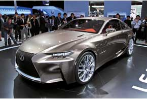 Гибридный Lexus LF-CC