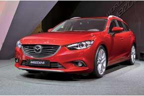 После дебюта в Москве седана Mazda6 в Париж компания привезла версию скузовом универсал.