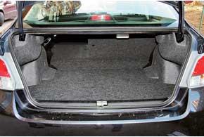Сделав больше колесную базу, компоновщики умудрились еще и объем багажника увеличить почти на100литров – с368 до 460 л.