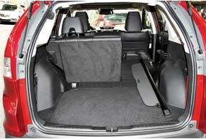 Багажник увеличился до 589 л (+147 л).