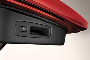 В европейской версии CR-V появилась система доступа без ключа и электрический привод двери багажника.