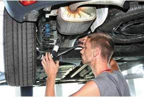 Обязательная процедура для всех ТО – обтяжка резьбовых соединений ходовой части автомобиля. Хотя и после предпродажной подготовки прослабленных резьбовых соединений найти так и не удалось.