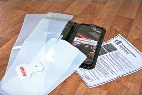 В комплект наборов AutoProTech входят пленки-выкройки, инструкция по установке, а также скребок-выгонка.