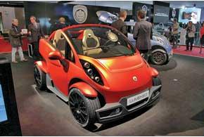 Lumeneo Neoma Roadster оснащен 48-сильным электромотором, максимальная скорость – 110км/ч.