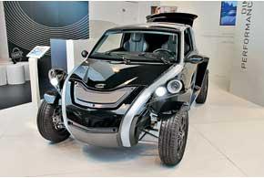 Courb C-Zen приводится в движение 20-сильным электродвигателем, «максималка» – 110км/ч, запас хода– до120км.