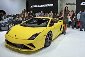 Lamborghini Gallardo LP 560-4 получил обновленную внешность.