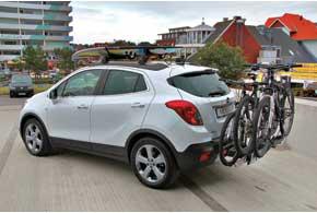 Opel Mokka в качестве опции может оснащаться фирменной системой Flex-Fix дляперевозки до3-хвелосипедов.
