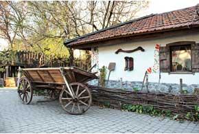 Музей истории запорожского казачества, реконструированный комплекс «Запорожская Сечь» и конный театр