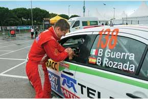 Валерий Горбань одним из первых  поздравил мексиканца Бенито Гуэрру  с чемпионским титулом в P-WRC.
