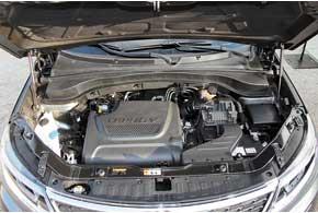 С уже знакомым у нас 2,2-литровым турбодизелем мощностью 197 л. с. кроссовер демонстрирует хорошую динамику при высокой топливной экономичности.