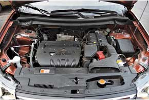 Мощность мотора уменьшили на 3л.с.,  а крутящий момент – на 10 Нм. Но динамика разгона до 100 км/ч выросла на 0,3 с, амаксимальная скорость увеличилась на 5 км/ч.