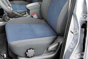 В Tiggo нередко ломается механизм регулировки наклона подушки водительского сиденья (требуется замена каркаса либо сварочные работы с жесткой фиксацией высоты).
