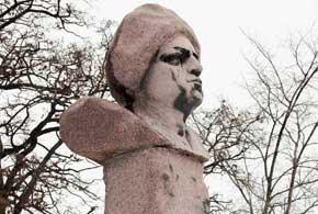 Памятник атаману Даниле Зеленому, который родился вТриполье и воевал на родной земле за независимость Украины.