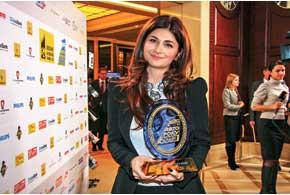 Генеральному директору «Фалькон-Авто» Нине Васадзе вручили не только главный приз, но и статуэтки за победу еще в двух номинациях.