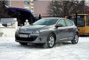 Renault Megane 2.0 (143 л. с.), CVT