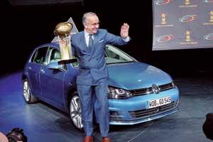 Volkswagen Golf одержал победу  в конкурсе «Автомобиль годавмире», итогикоторого были озвучены входе  Нью-Йоркского автосалона 2013.