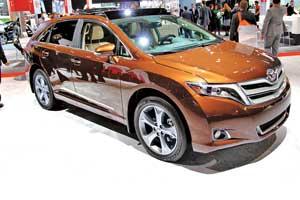 Toyota Venza тоже подверглась небольшим изменениям. Именно втаком виде она придет к официальным дилерам в нашей стране.