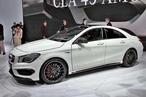 Mercedes-Benz CLA45 AMG благодаря  2,0-литровому 4-цилиндровому мотору в360 л. с. разгоняется до «сотни» за 4,5 с.
