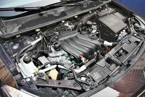 1,6-литровый мотор очень популярен у покупателей Fluence. Теперь онполучил вариатор, а вместе с ним и небольшую прибавку мощности.